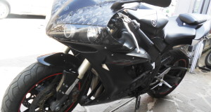 yamaha r1 2005 wrapping akrapovic