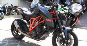 KTM 1290 SUPER DUKE 2016 KM 9000 FULL FULL AKRAPOVIC ANDREANI ETC ETC