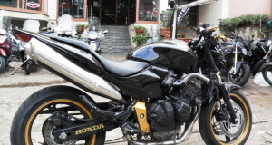 HONDA HORNET GOLD EDITION